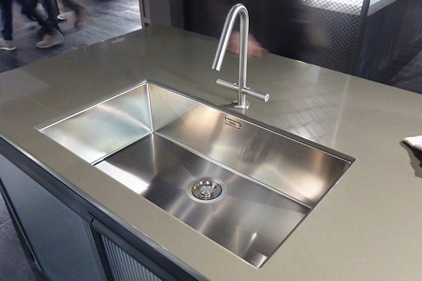 Living kitchen big stainless steel sink